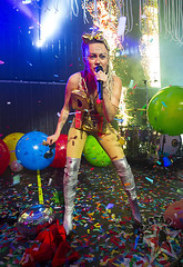 Miley Cyrus and Her Dead Petz - The Fillmore - Detroit, MI - Nov 21st 2015