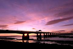 Nature's Starburst (John (thank you >1 million views)) Tags: severnestuary 2ndsevernbridge coastaluk ukcoast severnbeach estuary sunset motorway m4 skyline gloucestershire landscapephotography england 7dwf bristol