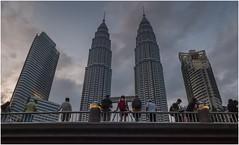 "Kuala Lumpur 9016 (Fermin Ezcurdia) Tags: ""kuala lumpu"" malasia ""sudeste asiático"" ""torres petronas"" ""lake garde"" chinatown ""petaling street"" ""jalan petaling"" alor"" ""little india"" ""bukit bintang"" ""sri mahamariammam"" ""guan di"" ""kl tower"" menara singapur singapore skyline ""marina bay sands"" ""maryba bay"" ""barrio indio"" barrio musulman"" ""bufaflo road"" ""clarke quay"" ""orchard ""garden by ""sultan mosque"""