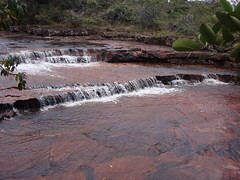 Salto Kawi Merú (Wguayana) Tags: venezuela bolívar gran sabana salto kawi río river rock roca nature