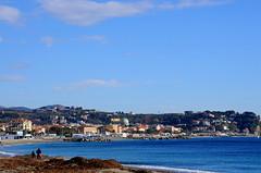 Albissola (Luigia80 (Pat)) Tags: albissola liguria mare paesaggio paese spiaggia sabbia acqua blu panorama