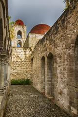 San Giovanni degli Eremiti (spaceodissey) Tags: chiesa chiostro palermo esterno cupole medioevo
