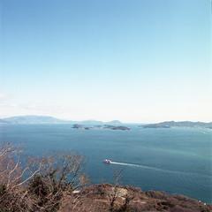 一艘小紅船 (TKBou) Tags: japan setonaikai red boat 日本 瀨戶內海 紅 船 photographer フォトグラファー instalike instagood 写真好きな人と繋がりたい ファインダー越しの私の世界japan ファインダー越しの私の世界