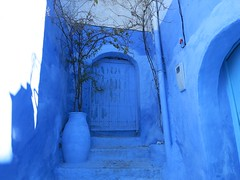 Monday Blues - Postcard from Chefchaouen (Pushapoze - sciatica) Tags: door blue stairs bleu morocco maroc porte chefchaouen jarre marches