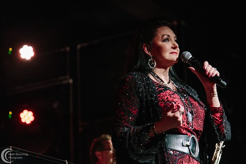 Crystal Gayle - December 5, 2015 - Hard Rock Hotel & Casino Sioux City