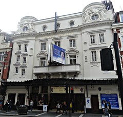 [37360] London - Shaftesbury Avenue : Apollo Theatre (Budby) Tags: london theatre victorian westend edwardian theatreland cityofwestminster