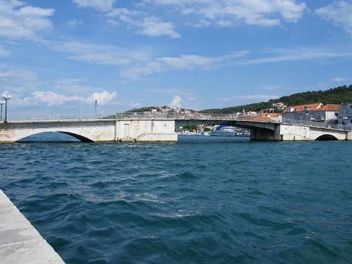 Trogir, Felnyitható híd