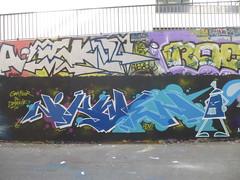 Artiste inconnu(e) aux Frigos (juin 2015) (Archi & Philou) Tags: graffiti frigos streetart paris13 murpeint paintedwall lettrage