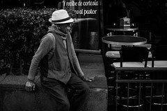 Old but Gold. (Christian S. Mata) Tags: old gold nikon d5300 50mm black white streettogs mexico madero zócalo street photography contrast candid streetscene