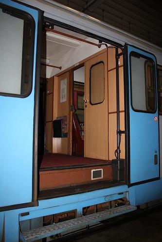 KML: Moderne Schwenkschiebetüren an VT 407