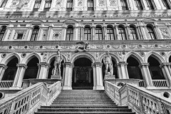 Doge's Palace (Francis Mansell) Tags: venezia venice dogespalace palazzoducale staircase balustrade window column palace blackwhite monochrome niksilverefexpro2 statue sculpture building architecture arch ornate detailed detail wingedlion giantsstaircase mars neptune