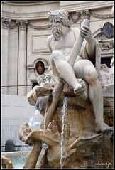 Fontana dei Quattro Fiumi (Roma, Italia, 1-7-2009) (Juanje Orío) Tags: italia roma 2009 escultura fuente patrimoniodelahumanidad whl0091 worldheritage nude desnudo sigloxvii