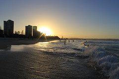 Coolangatta Beach 6 (thestreetcat) Tags: coolangatta coolangattabeach goldcoast australia sunset beach seasandsky thestreetcatgoestoau holiday thelanddownunder ozandbeyond snappersrock kirrabeach kirrahilllookout duranbahbeach rainbowbay pointdanger tweedheads travel2017 whenincoolangatta wheningoldcoast
