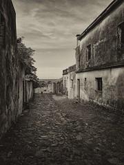 XMI_IMG_20160412_102120_x (A. Neto) Tags: xiaomiredmi2 blackwhite bw monochrome smartphone street cityview old historical uruguay coloniadelsacramento