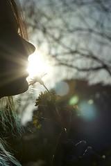 je t'ai promis de t'oublier .. lorsque le Soleil se lèvera au Nord pour mourir à l 'Est (Cha' Perchée) Tags: woman flower light flicker face girl blue green trees hand bouquet fleur instant portrait portraiture canon canonphotography