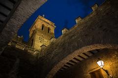 Toledo (www.justigarcia.com) Tags: espaa puerta nocturna farol torren tolrdo