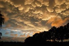 2015-09-16 Mammatus clouds over Lintelo, The Netherlands (Jan Riemersma) Tags: zonsondergang wolken mammatus lintelo apocalyptisch
