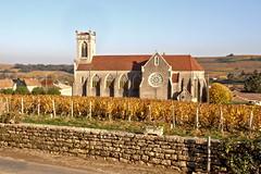 Eglise en automne (Chemose) Tags: autumn france church automne vineyard village burgundy vine bourgogne vignoble église hdr vigne saintvéran pouillyfuissé fuissé bourgognedusud southburgundy