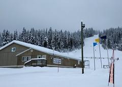 School on a ski run (Ruth and Dave) Tags: sunpeaks sunpeakselementary skiresort todmountain school piste skirun signs