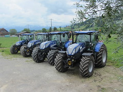 4x New Holland AC