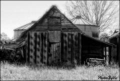 Galaxie At The Farm (Photos By Vic) Tags: 1966 66 ford galaxie wagon farm barn rust rusty classic car abandoned