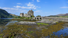 With the smell of seaweed (RIch-ART In PIXELS) Tags: eileandonancastle scotland thehighlands eileandonan island bridge leica dlux6 leicadlux6 castle medieval landscape lough seaweed building unitedkingdom dornie schotland lochduich seaside water