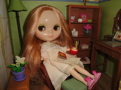 October 9, 2015, Blythe a Day - Getting Comfy
