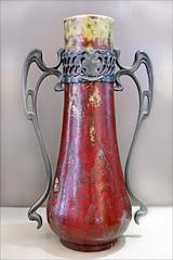 Vase art nouveau (Muse de l'le-de-France) (dalbera) Tags: france artnouveau cramique sceaux dalbera pierreadriendalpayrat musedelledefrance