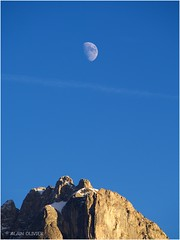 La Lune sur les mamelles