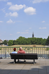 Elbe river (Bianco Rosella) Tags: elbe river dresden germany allemand alema alemaña europe tourists tourism couple tour romance romantic view fiume sunny day bench tzwei romantik