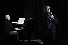 Persfoto Rondom Toon bij VRIJDAG (fotoVRIJDAG) Tags: vrijdag groningen muziek poëzie toonhermans theater zang piano harmonie