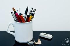 Un sorbo de... Trabajo (jomargufo) Tags: oficina minimalismo contraste office minimalism work trabajo escritorio desk