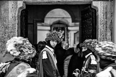 Balarì alla Messa (drugodragodiego) Tags: pontecaffaro bagolino valledelcaffaro vallesabbia lagodidro provinciadibrescia lombardia italy carnevale events folklore balarì ballerini blackandwhite blackwhite biancoenero bw ritratto portrait pentax pentaxk1 k1 hdpentaxdfa2470mm hdpentaxdfa2470mmf28edsdmwr pentaxiani