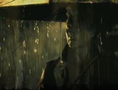 Eva (Ivano Lucchesi) Tags: donne femminicidio pioggia ombrello riflessi monocrome sera inverno eva reflex woman underombrella sottolombrello rain seradipioggia