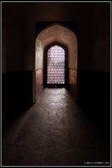"Source of Light <a style=""margin-left:10px; font-size:0.8em;"" href=""http://www.flickr.com/photos/66444177@N04/21670662711/"" target=""_blank"">@flickr</a>"