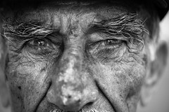 Eagle eyes (Giulio Magnifico) Tags: portrait man closeup turkey blackwhite eyes muslim arabic elder syria halep kilis nikond800e nikkormicro105mmafsvrf28