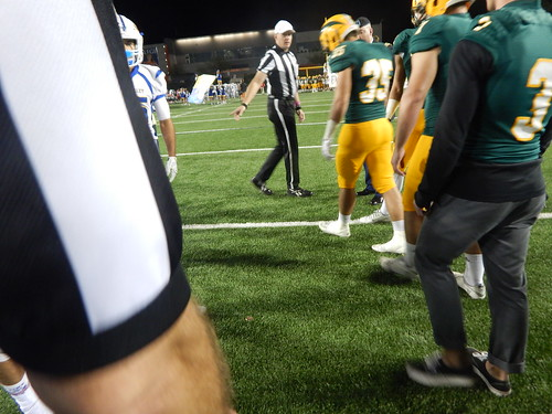 """Edison vs. Fountain Valley 10/31/15 • <a style=""""font-size:0.8em;"""" href=""""http://www.flickr.com/photos/134567481@N04/22632985205/"""" target=""""_blank"""">View on Flickr</a>"""