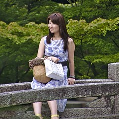 Girls sitting on a bridge at Hj Garden (ric Roca) Tags: world bridge portrait people japan kyoto asia exterior sacred kansai technique