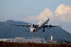 Dragon Air A330-342 (B-HLL) (sslee86) Tags: aviation dragonair penang takeoff airliner planespotting sslee bhll a330342