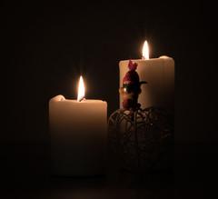 Candlelight (kaffealskare) Tags: fotosöndag fotosondag fs161218 stearinljus candlelight heart hjärta tomtenisse starburst serene christmas jul juletider christmastime