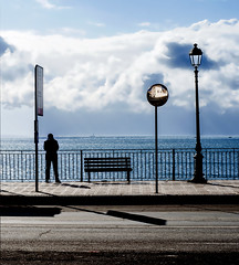 tramontana band (pannaphotos aka Anna Leporati Serrao) Tags: taranto mare tormenta nave ringhiera lungomare vento gelo lampione cartello specchio strada