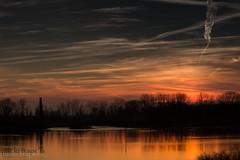 il fiume pò (paolotrapella) Tags: fiume pò delta sunset tramonto river acqua water cielo sky nuvole clouds