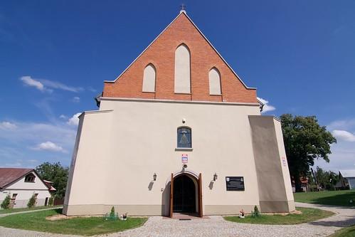 Kościół Świętego Ducha w Bodzentynie od zachodu