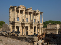 Great Ephesus! The celsus library (alison ryde - back in town for now) Tags: world autumn vacation holiday beauty architecture turkey october ruins library turkiye oldbuildings september traveller explore voyager seeker ephesus celsus phototrip classicalworld turchia romanruins turkei 2015 ancientworld emilywilson libraryofcelsus worldtraveller asianturkey olympuscameras alisonryde olympusem1 jongreengo