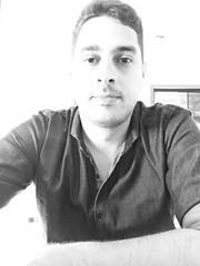 """Meu registro do 1 post aqui no app. Aproveito tambm para deixar um dos pensamentos que muito valorizo: """"As coisas se tornam difceis quando voc v e portanto se foca na dificuldade ao invs da soluo. No gaste a sua energia com o negativo."""" (raphael238) Tags: blackandwhite me think pretoebranco insight selfie pensamento mindset mentalidade myselfie"""