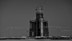 Jeddah tower / Kingdom tower / Mile-High tower , construction site (mostaphaghaziri) Tags: white black tower skyscraper nikon desert kingdom saudi arabia tall jeddah mega milehigh tallest megatall obhur d7200 nikond7200