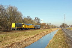 SHD 2205 met trein 56455 (kevinpiket) Tags: shd 2205 diesellocomotief dieselloc baldwin allan geelgrijs cto meetrijtuig plan e rijtuig spoorlijn sloot dordrecht zuidholland nederland canon 60d