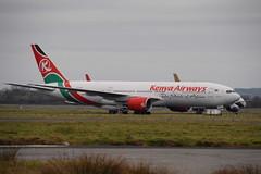 5Y-KQT Boeing 777-2U8ER Kenya Airways (eigjb) Tags: shannon airport international coclare einn ireland aircraft airplane plane spotting december 2016 jet transport aviation 5ykqt boeing 777 kenya airways b777 stored airliner omni air lessor 7772u8er