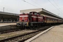 BDZ 52 051, Sofia Central 2013-02-03 (Michael Erhardsson) Tags: diesel lok järnväg diesellok bdz bulgarien resa 2013 bdz52051 sofia central 20130203