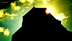 Basilica di San Petronio (michelecipriotti) Tags: bologna emiliaromagna chiesa sanpetronio basilica piazzamaggiore cielo nuvole croce centro sole